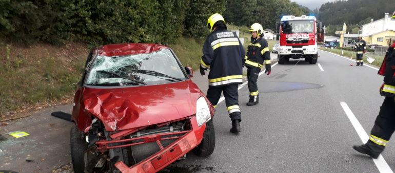 Verkehrsunfall eingeklemmte Person am 30.8.2020
